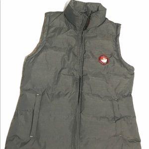 Women's Canada Weather Gear Vest size Medium